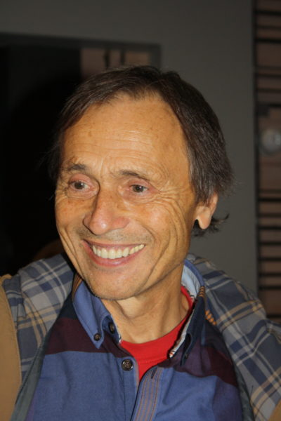 Bilde av smilende mann