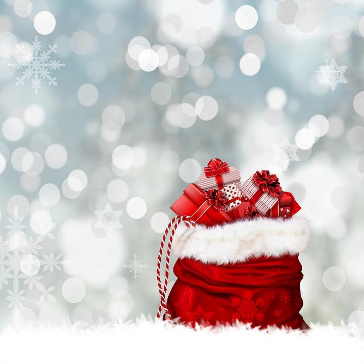 Vakkert bilde av en sekk med julepresanger
