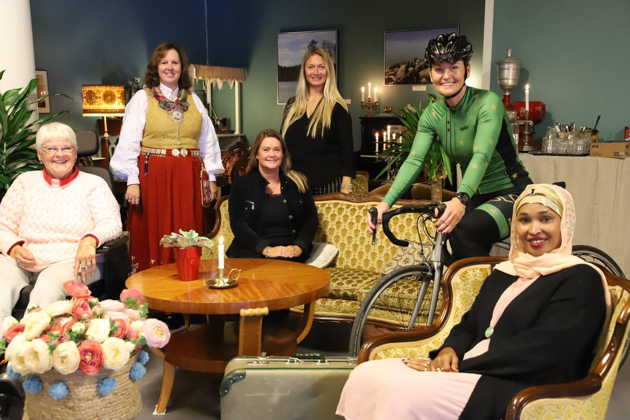 Bilde av 6 kvinner