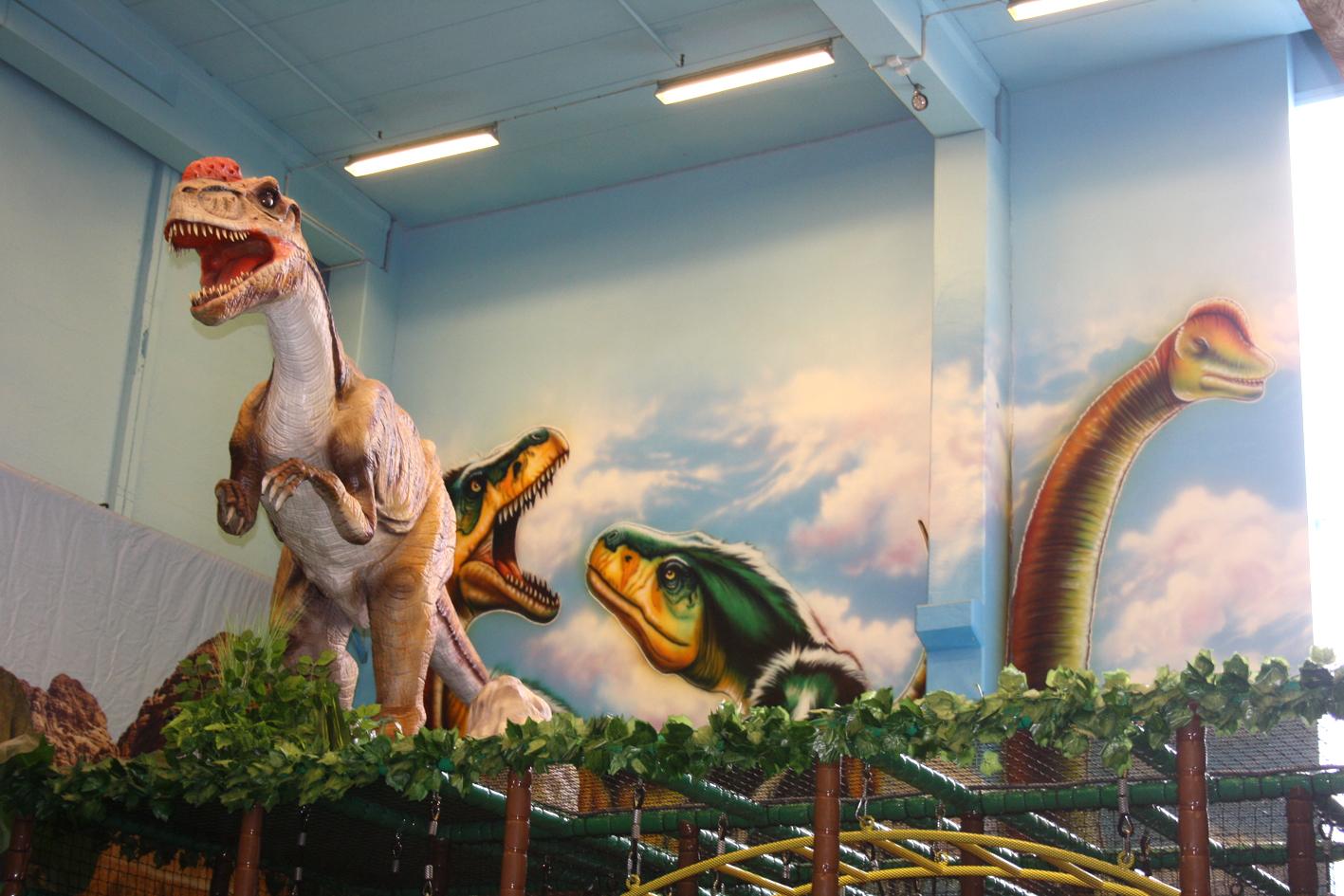 Dinosaurer på veggen