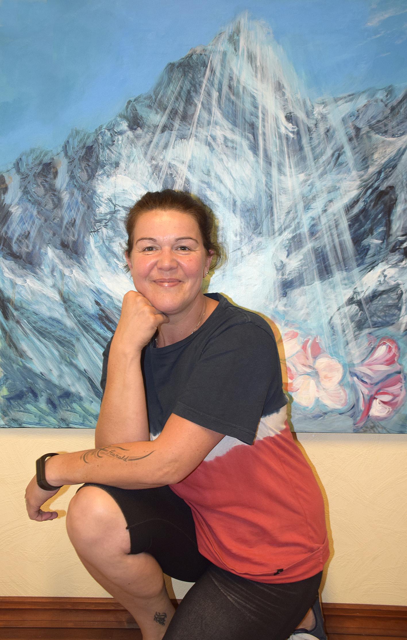 Dame foran et utrolig flott maleri som kan være enten Himalaya eller Shambhala
