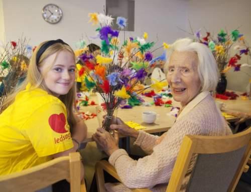 Gammel og ung samlet til vinterverksted på Vestby sykehjem