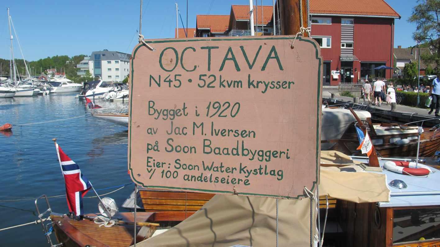 Plakat med informasjon om Octava