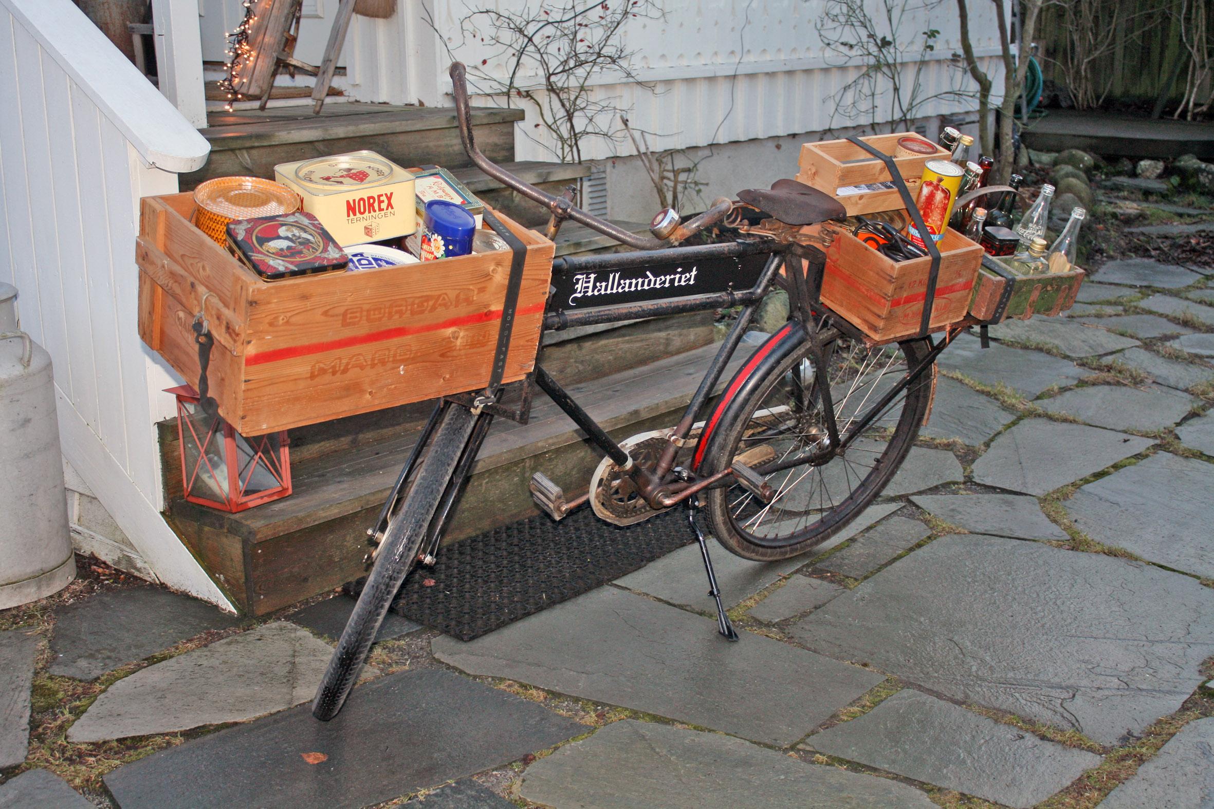 Sykkel med varer, gammel