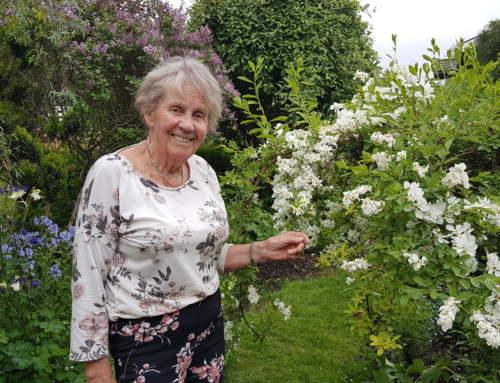 Blomstrende glede både i Gretas hage og i Vestby Hagelag